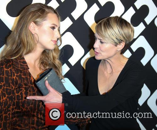 Dylan Penn and Robin Wright 4