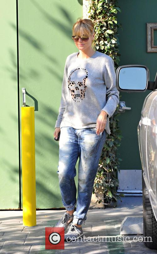 Heidi Klum goes on a coffee run