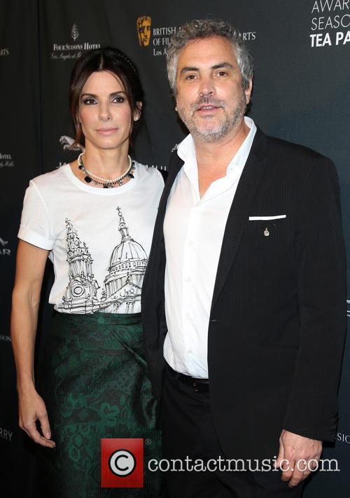 Sandra Bullock and Alfonso Cuaron 5