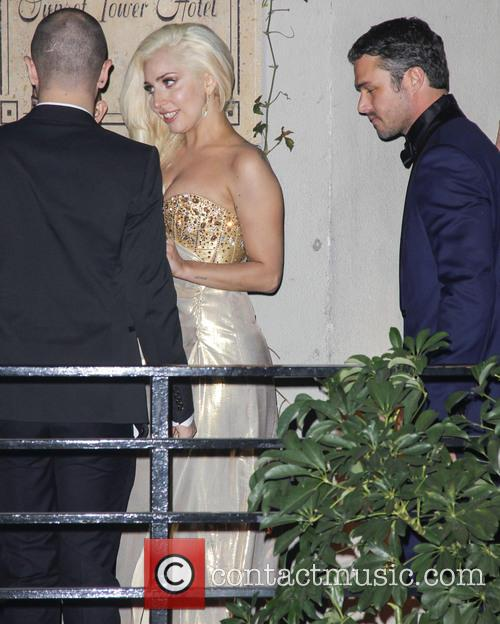 Lady Gaga and Taylor Kinney 9