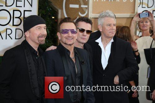 The Edge (l-r), Bono, Larry Mullen und Adam Clayton of U2, Golden Globe Awards, Beverly Hilton Hotel