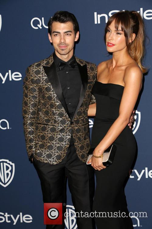 Joe Jonas, Blanda Eggenschwiler, Oasis Courtyard at the Beverly Hilton Hotel, Golden Globe Awards, Beverly Hilton Hotel
