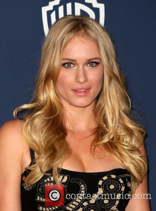 Leven Rambin, Oasis Courtyard at the Beverly Hilton Hotel, Golden Globe Awards, Beverly Hilton Hotel