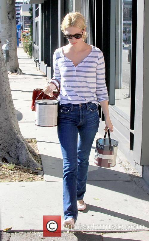 January Jones buys paint