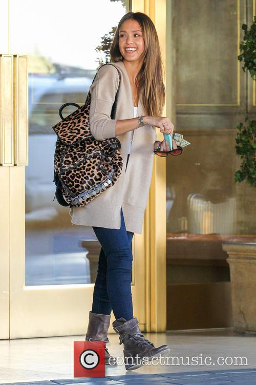 Jessica Alba Has Breakfast At Sunset Tower Hotel