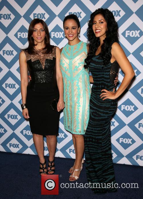 Beatriz, Chelsea Peretti and Melissa Fumero 1