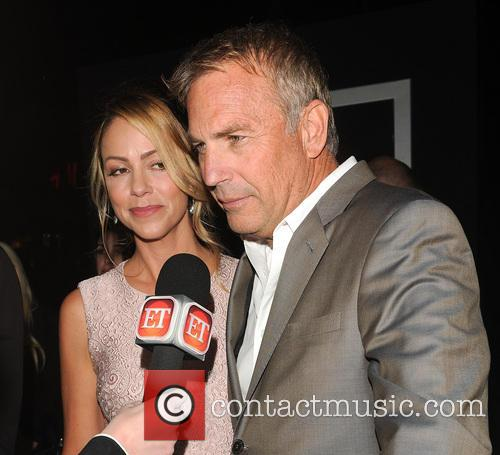 Kevin Costner, Christine Baumgartner and Jack Ryan 9