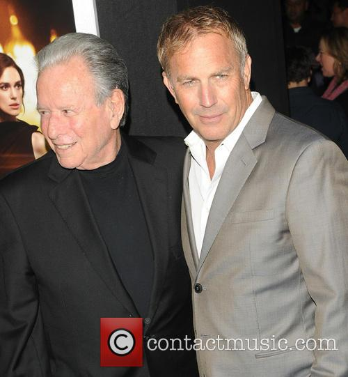 Kevin Costner, Mace Neufeld and Jack Ryan 6