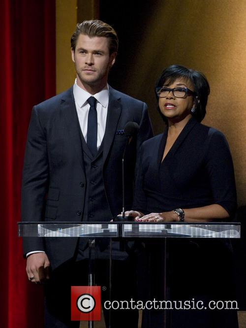 Chris Hemsworth and Academy President Cheryl Boone Isaacs 3