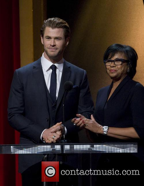 Chris Hemsworth and Academy President Cheryl Boone Isaacs 6