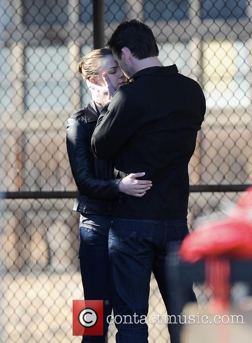 Emily Vancamp and Barry Sloane 11