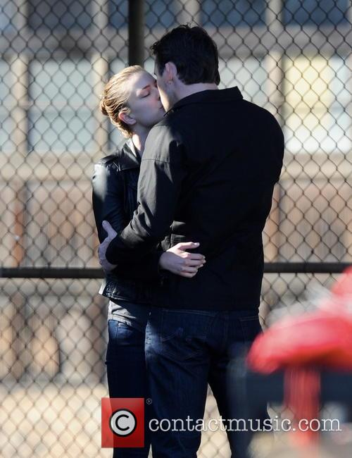Emily Vancamp and Barry Sloane 12
