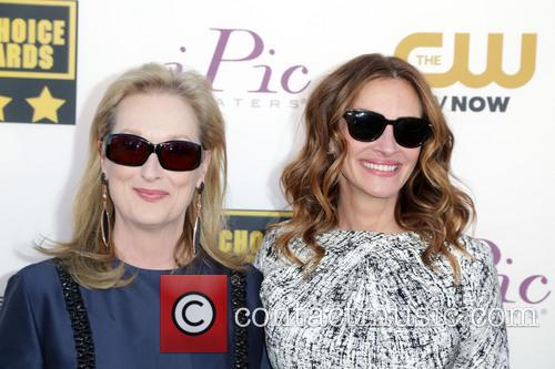 Meryl Streep and Julia Roberts 9