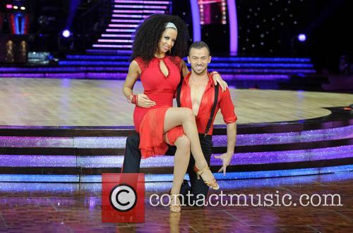 Natalie Gumede and Artem Chigvintsev 3