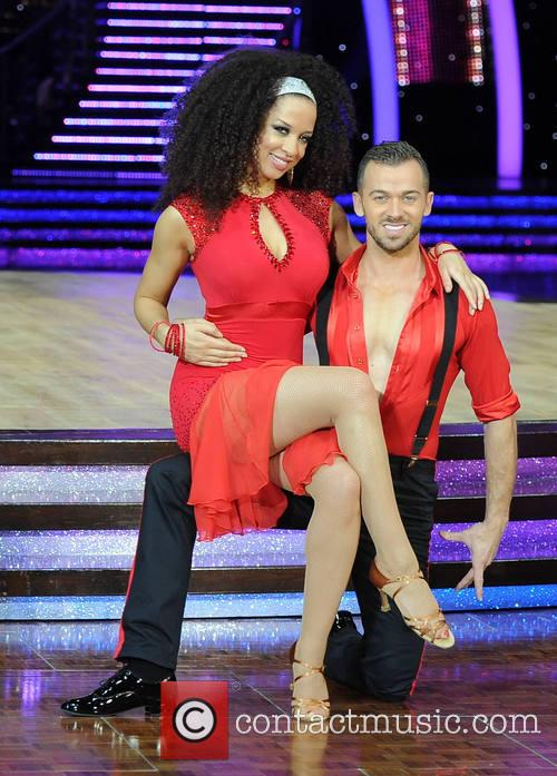 Natalie Gumede and Artem Chigvintsev 5