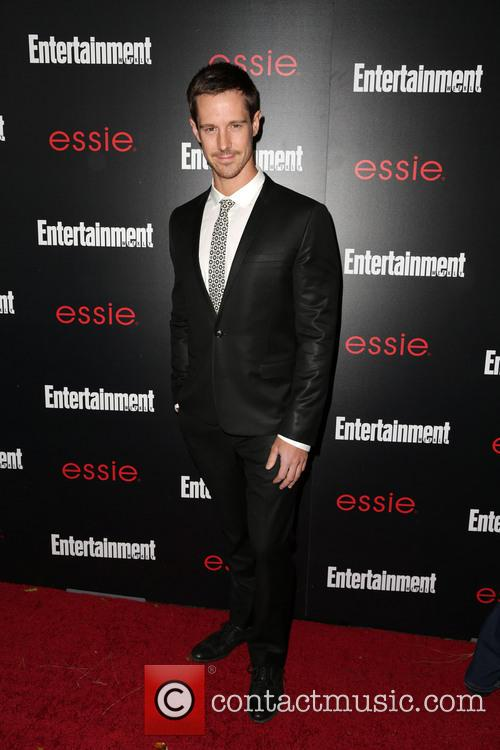 Entertainment Weekly and Jason Dohring 3