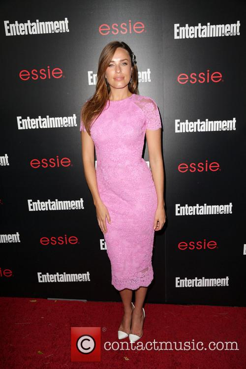 Entertainment Weekly and Jessica McNamee 6