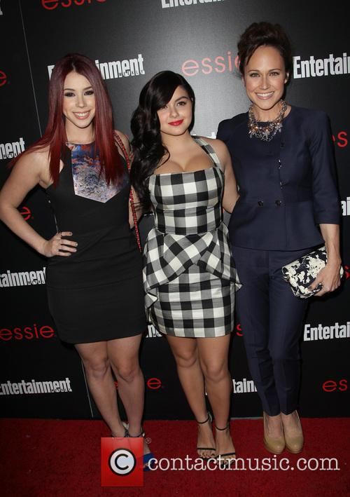 Ariel Winter, Jillian Rose and Nikki Deloach 8