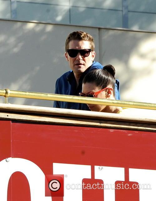 The cast of Glee take a tour of Hollywood