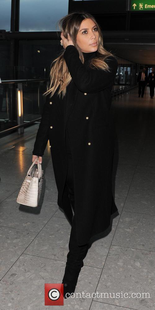 kim kardashian kim kardashian at heathrow airport 4030412