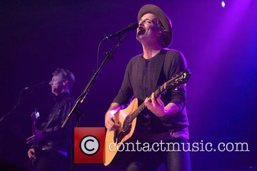 Fran Healy and Travis 11