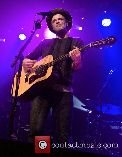Fran Healy and Travis 15