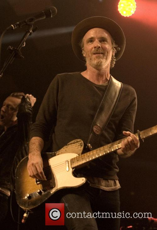 Fran Healy and Travis 18