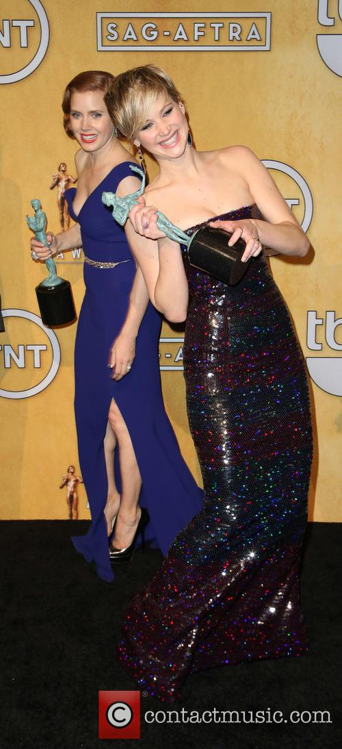 Jennifer Lawrence and Amy Adams 4