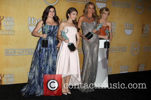 Ariel Winter, Julie Bowen, Sarah Hyland and Sofía Vergara 2
