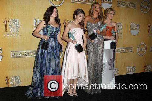 Ariel Winter, Julie Bowen, Sarah Hyland and Sofía Vergara 3