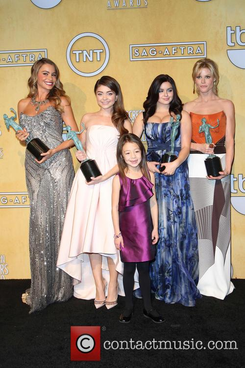 Sofia Vergara, Sarah Hyland, Aubrey Anderson-emmons and Ariel Wint 6