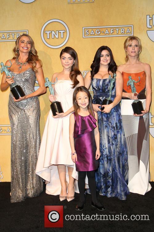 Sofia Vergara, Sarah Hyland, Aubrey Anderson-emmons and Ariel Wint 11