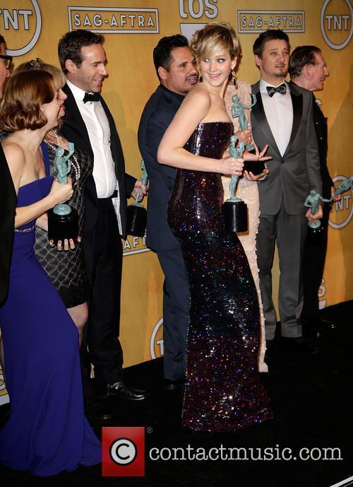 Amy Adams, Alessandro Nivola, Michael Pena, Jennifer Lawrence, Elisabeth Röhm, Jeremy Renner and Robert De Niro