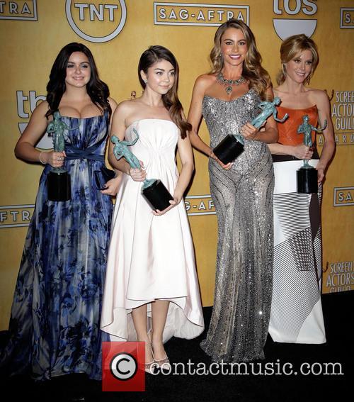 Ariel Winter, Sarah Hyland, Sofia Vergara and Julie Bowen 2