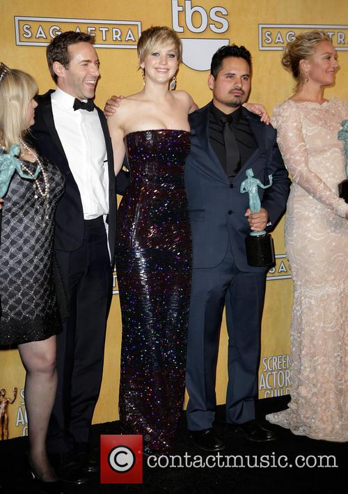 Colleen Camp, Alessandro Nivola, Jennifer Lawrence, Michael Pena and Elisabeth Röhm 4