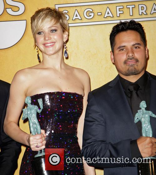 Jennifer Lawrence and Michael Pena 7