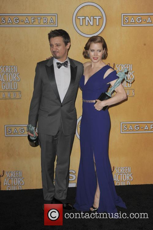 Amy Adams and Jeremy Renner 1