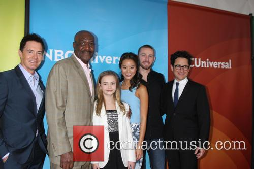 Believe Cast, Jj Abrams, Jamie Chung, Delroy Lindo, Kyle Maclachlan, Jake Mclaughlin and Johnny Sequoyah 2