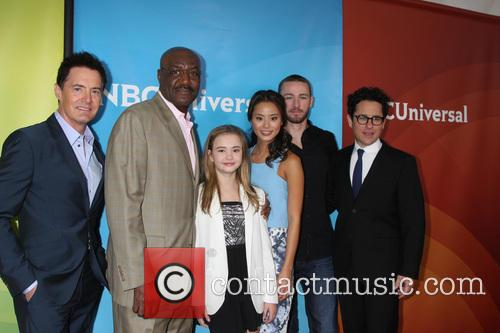 Believe Cast, Jj Abrams, Jamie Chung, Delroy Lindo, Kyle Maclachlan, Jake Mclaughlin and Johnny Sequoyah 1