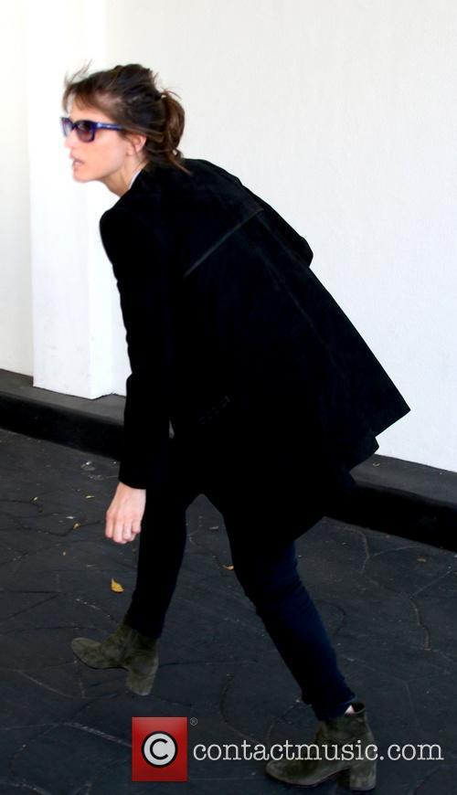 Amanda Peet 12