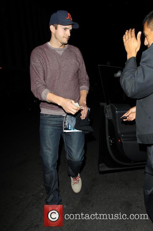 Ashton Kutcher 11