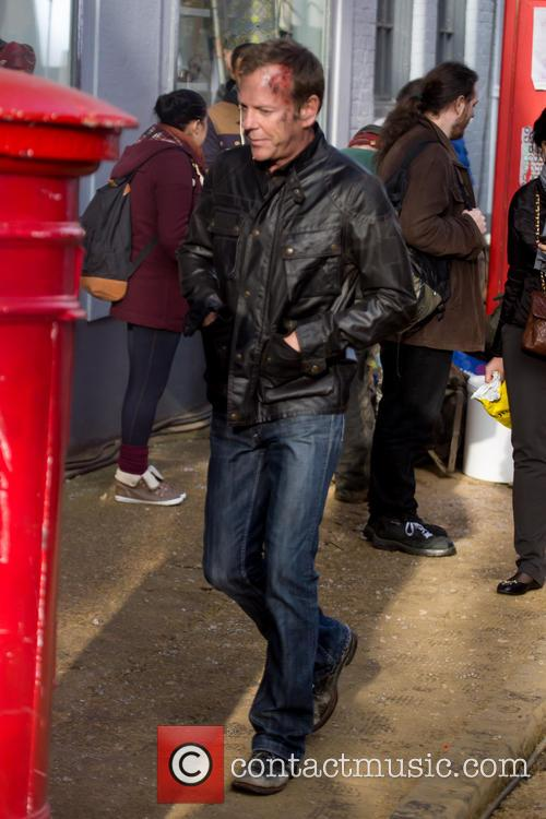 Kiefer Sutherland Filming 24 London Post Box