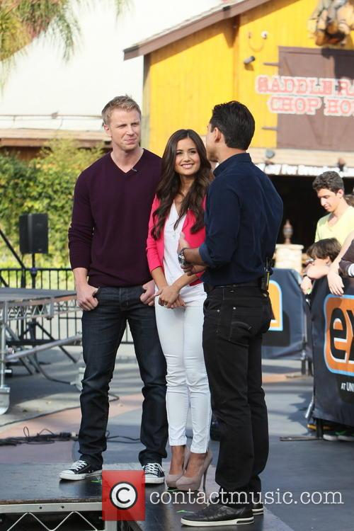 Sean Lowe, Catherine Guidici and Mario Lopez 9