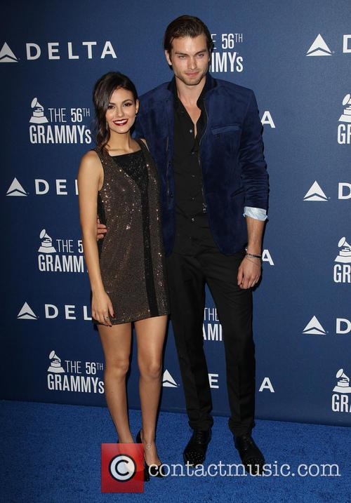 Victoria Justice and Pierson Fode 3