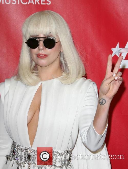 Lady Gaga, Los Angeles Convention Center