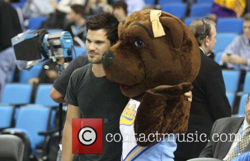 Taylor Lautner 6