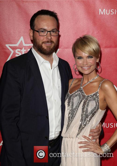 Dana Brunetti and Kristin Chenoweth 1