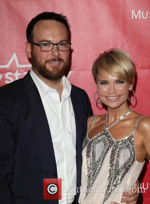 Dana Brunetti and Kristin Chenoweth 4