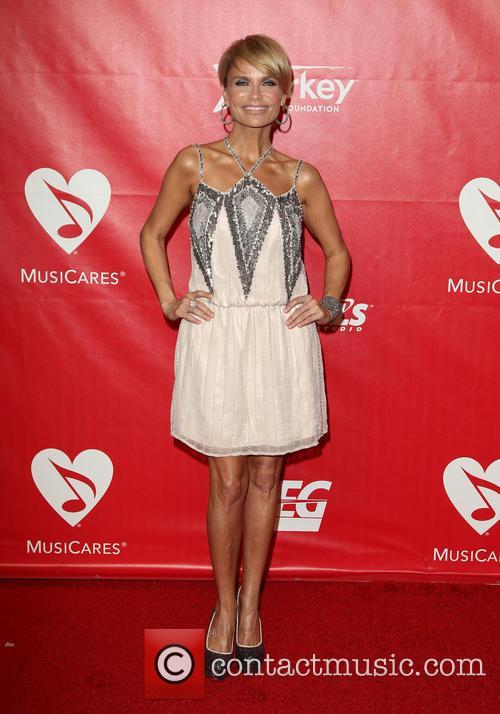 Kristin Chenoweth 8