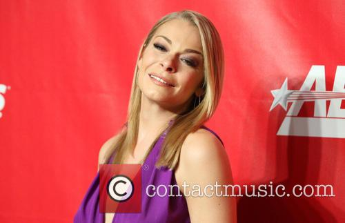 leann rimes 2014 musicares person of the 4040130